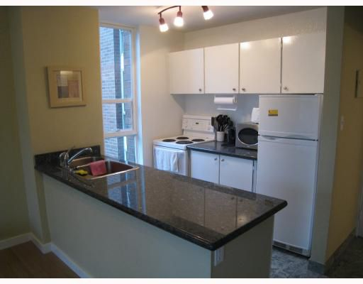 """Main Photo: 401 1330 BURRARD Street in Vancouver: Downtown VW Condo for sale in """"ANCHOR POINT II"""" (Vancouver West)  : MLS®# V802866"""