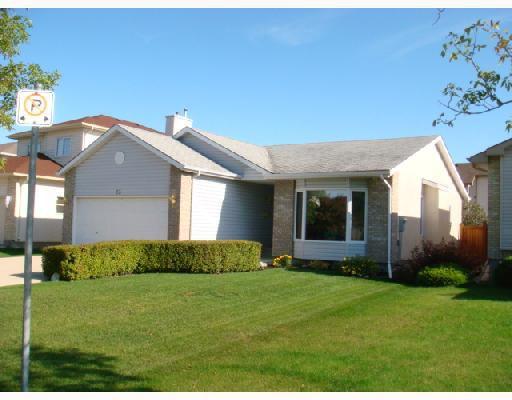 Main Photo: 23 PELHAM Road in WINNIPEG: St Vital Residential for sale (South East Winnipeg)  : MLS®# 2818547