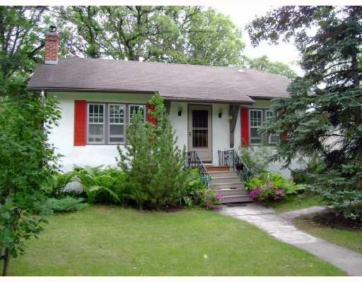 Main Photo: 137 LANARK Street in WINNIPEG: River Heights / Tuxedo / Linden Woods Residential for sale (South Winnipeg)  : MLS®# 2814634