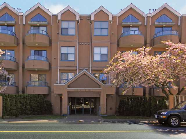 """Main Photo: 206 988 W 16TH Avenue in Vancouver: Cambie Condo for sale in """"The Oaks"""" (Vancouver West)  : MLS®# V825569"""