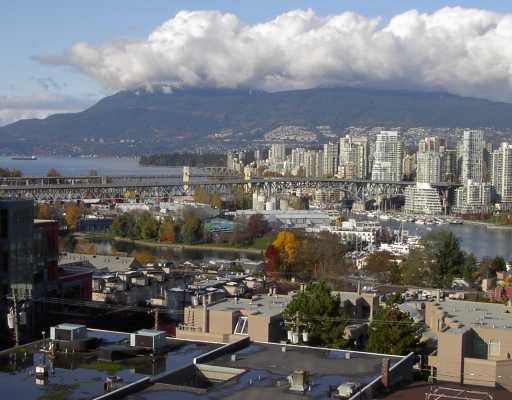 "Main Photo: 1005 1068 W BROADWAY BB in Vancouver: Fairview VW Condo for sale in ""THE ZONE"" (Vancouver West)  : MLS®# V797290"
