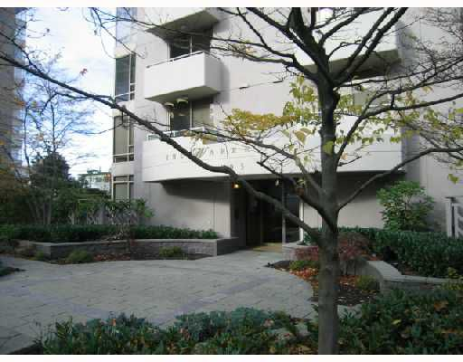 "Main Photo: 1101 1405 W 12TH Avenue in Vancouver: Fairview VW Condo for sale in ""THE WARRENTON"" (Vancouver West)  : MLS®# V743920"