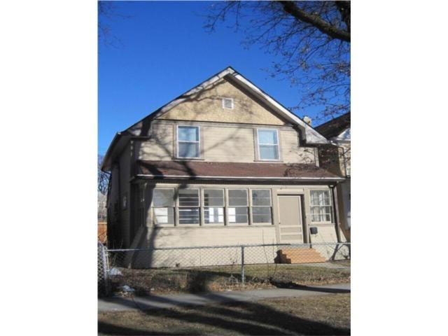 Main Photo: 661 TORONTO Street in WINNIPEG: West End / Wolseley Residential for sale (West Winnipeg)  : MLS®# 1006233