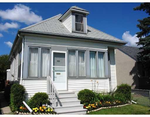 Main Photo: 222 QUEEN Street in WINNIPEG: St James Residential for sale (West Winnipeg)  : MLS®# 2815199