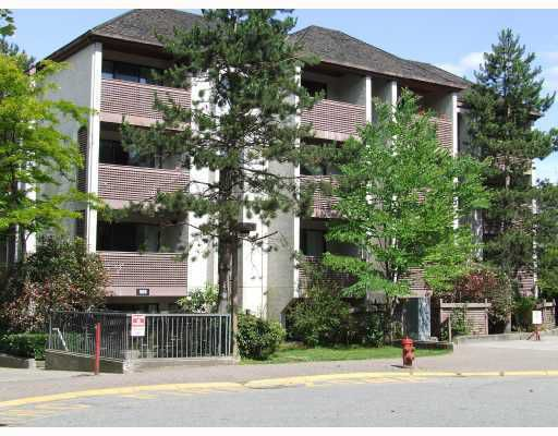 """Main Photo: 406 365 GINGER Drive in New Westminster: Fraserview NW Condo for sale in """"FRASER MEWS"""" : MLS®# V799961"""