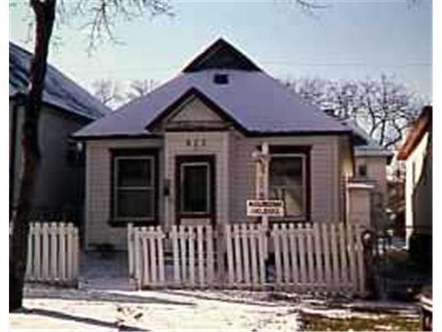 Main Photo: 672 TORONTO Street in WINNIPEG: West End / Wolseley Residential for sale (West Winnipeg)  : MLS®# 9621690