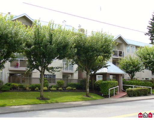 "Main Photo: 202 15338 18TH Avenue in Surrey: King George Corridor Condo for sale in ""PARKVIEW GARDENS"" (South Surrey White Rock)  : MLS®# F2832943"