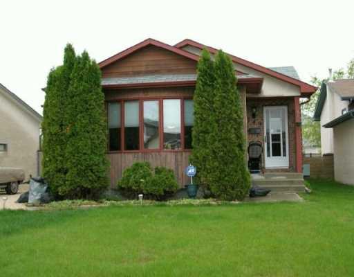 Main Photo:  in WINNIPEG: North Kildonan Single Family Detached for sale (North East Winnipeg)  : MLS®# 2708123