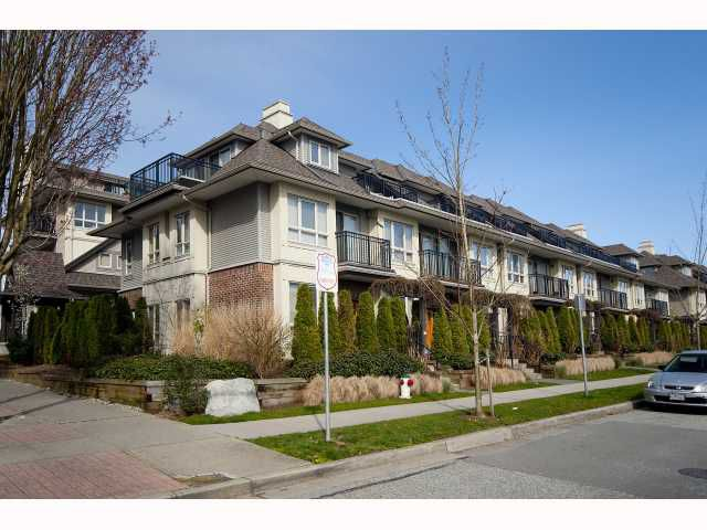 "Main Photo: 27 4055 PENDER Street in Burnaby: Willingdon Heights Townhouse for sale in ""REDBRICK HEIGHTS"" (Burnaby North)  : MLS®# V816853"