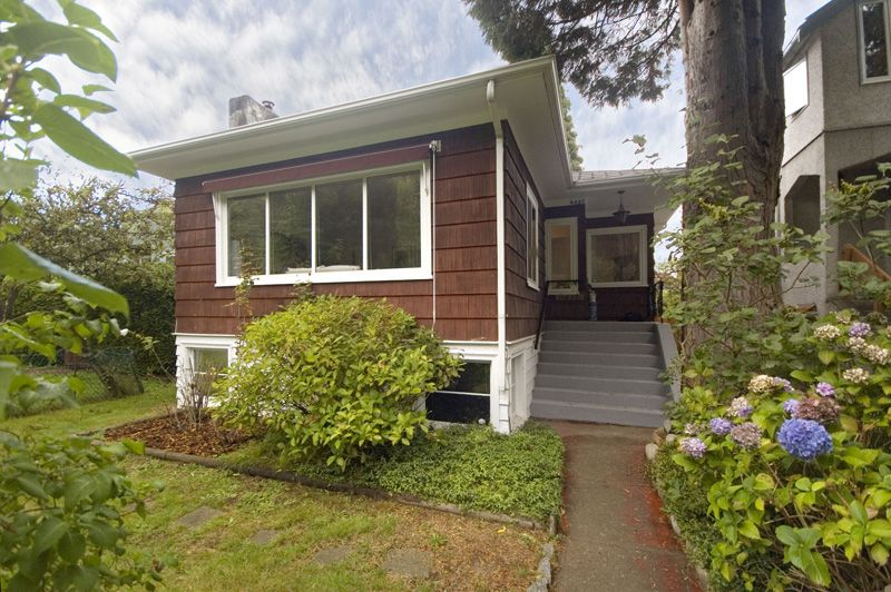 Main Photo: 4627 W 16TH Avenue in Vancouver: Point Grey House for sale (Vancouver West)  : MLS®# V825746