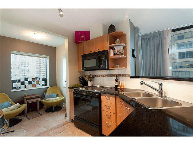 """Main Photo: 1205 1367 ALBERNI Street in Vancouver: West End VW Condo  in """"THE LIONS"""" (Vancouver West)  : MLS®# V858964"""