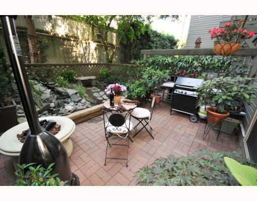 """Main Photo: 11 2375 W BROADWAY BB in Vancouver: Kitsilano Townhouse for sale in """"TALIESIN"""" (Vancouver West)  : MLS®# V770822"""