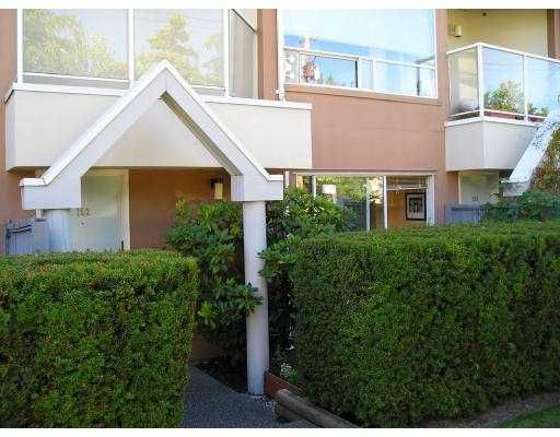 "Main Photo: 102 2010 W 8TH AV in Vancouver: Kitsilano Condo for sale in ""AUGUSTINE GARDENS"" (Vancouver West)  : MLS®# V549794"