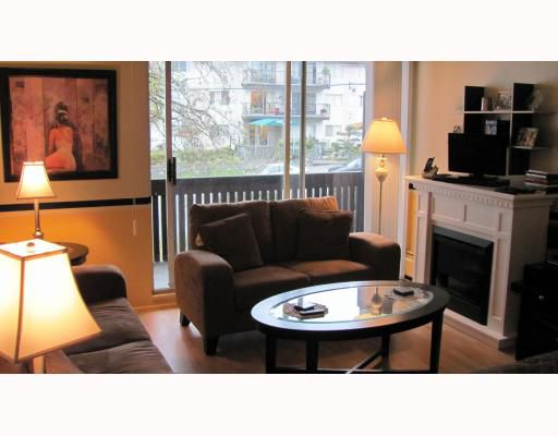 "Main Photo: 206 910 5TH Avenue in New Westminster: Uptown NW Condo for sale in ""GROSVENOR COURT"" : MLS®# V799355"