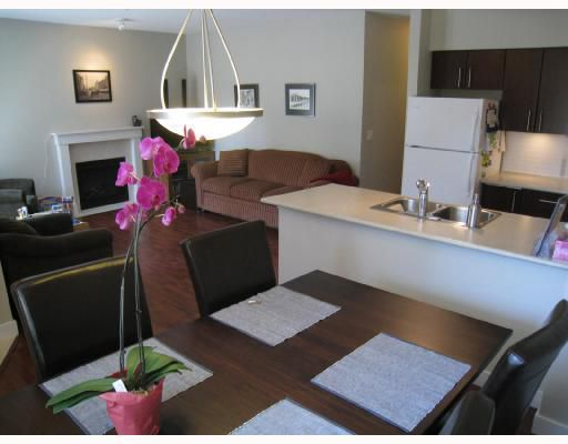 """Main Photo: 3292 E 54TH Avenue in Vancouver: Champlain Heights Townhouse for sale in """"BRITTANY"""" (Vancouver East)  : MLS®# V742762"""