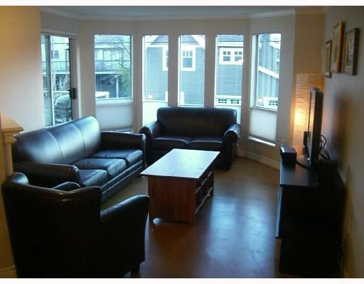 Main Photo: 212 2288 W 12TH Avenue in Vancouver: Kitsilano Condo for sale (Vancouver West)  : MLS®# V743821