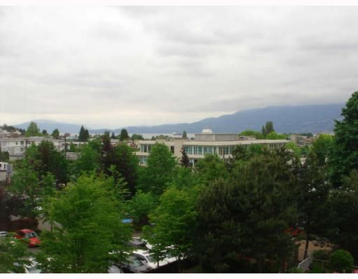 "Main Photo: 515 1707 W 7TH Avenue in Vancouver: Fairview VW Condo for sale in ""SANTA FE"" (Vancouver West)  : MLS®# V751168"