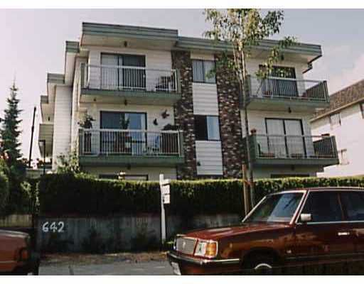"Main Photo: 105 642 E 7TH AV in Vancouver: Mount Pleasant VE Condo for sale in ""IVAN MANOR"" (Vancouver East)  : MLS®# V594246"