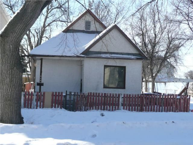 Main Photo: 640 Pritchard Avenue in WINNIPEG: North End Residential for sale (North West Winnipeg)  : MLS®# 1004650