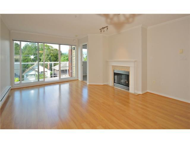 Main Photo: 413 2929 W 4TH Avenue in Vancouver: Kitsilano Condo for sale (Vancouver West)  : MLS®# V847087