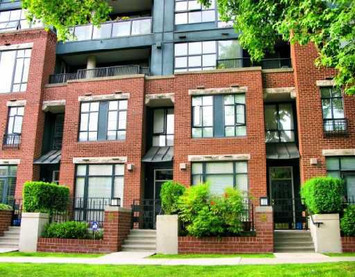 """Main Photo: 2261 W 12TH Avenue in Vancouver: Kitsilano Townhouse for sale in """"ANSONIA"""" (Vancouver West)  : MLS®# V749526"""
