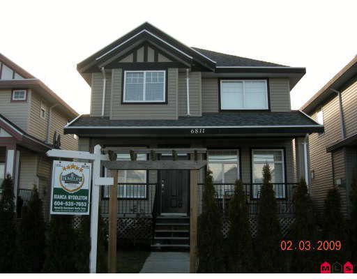 "Main Photo: 6811 192ND Street in Surrey: Clayton House for sale in ""CLAYTON VILLAGE"" (Cloverdale)  : MLS®# F2904006"