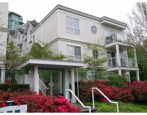"Main Photo: 41 2728 CHANDLERY Place in Vancouver: Fraserview VE Townhouse for sale in ""RIVERSIDE GARDENS"" (Vancouver East)  : MLS®# V804233"