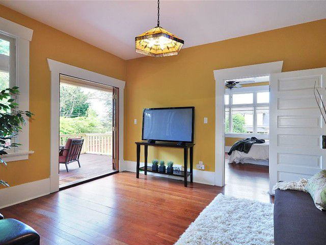 Photo 9: Photos: 211 REGINA Street in New Westminster: Queens Park House for sale : MLS®# V847905