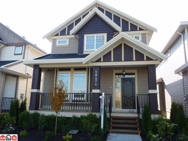 Main Photo: 19474 72ND Avenue in Surrey: Clayton House for sale (Cloverdale)  : MLS®# F1025986