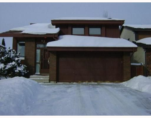 Main Photo: 67 PATELY Crescent in WINNIPEG: St Vital Residential for sale (South East Winnipeg)  : MLS®# 2900373