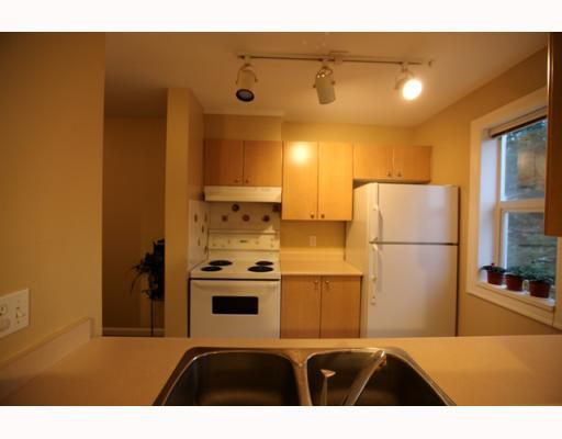 """Main Photo: 206 5667 SMITH Avenue in Burnaby: Central Park BS Condo for sale in """"COTTONWOOD SOUTH"""" (Burnaby South)  : MLS®# V791369"""