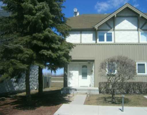 Main Photo: 19 Apple Lane in WINNIPEG: Westwood / Crestview Condominium for sale (West Winnipeg)  : MLS®# 2919299