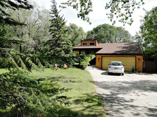 Main Photo: 820 CLOUTIER Drive in WINNIPEG: Fort Garry / Whyte Ridge / St Norbert Residential for sale (South Winnipeg)  : MLS®# 1016808