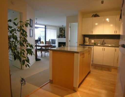 """Main Photo: 1208 155 W 1ST ST in North Vancouver: Lower Lonsdale Condo for sale in """"TIME"""" : MLS®# V571820"""