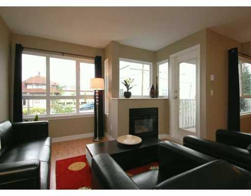 """Main Photo: 303 1623 E 2ND AV in Vancouver: Grandview VE Condo for sale in """"GRANDVIEW MANOR"""" (Vancouver East)  : MLS®# V590592"""