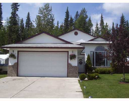 """Main Photo: 6563 DELISLE Court in Prince George: Hart Highlands House for sale in """"HART HIGHLANDS"""" (PG City North (Zone 73))  : MLS®# N183841"""
