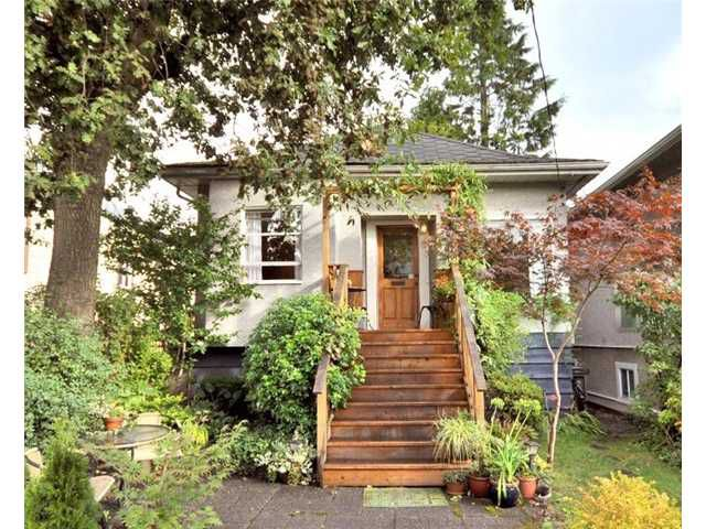 """Main Photo: 111 E 24TH Avenue in Vancouver: Main House for sale in """"Main Street"""" (Vancouver East)  : MLS®# V851300"""