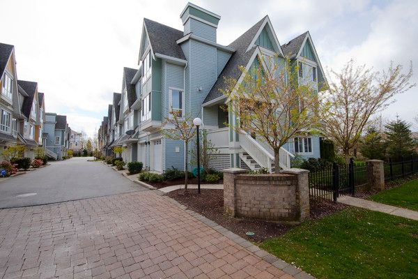 "Main Photo: 1 16388 85TH Avenue in Surrey: Fleetwood Tynehead Townhouse for sale in ""CAMELOT VILLAGE"" : MLS®# F1009224"