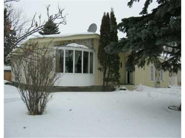 Main Photo: 394 DALHOUSIE Drive in WINNIPEG: Fort Garry / Whyte Ridge / St Norbert Residential for sale (South Winnipeg)  : MLS®# 2702015