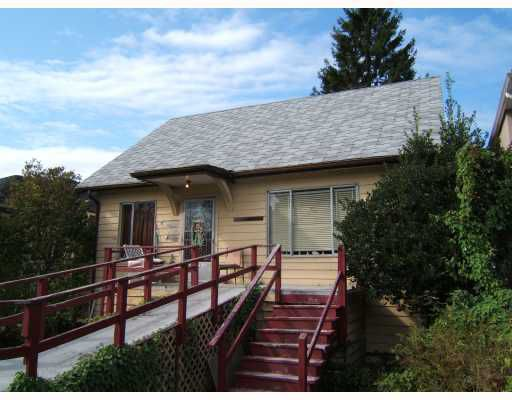 "Main Photo: 4235 PRINCE ALBERT Street in Vancouver: Fraser VE House for sale in ""FRASER"" (Vancouver East)  : MLS®# V735042"