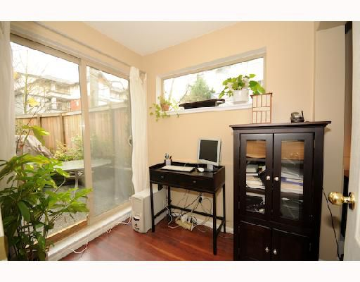 """Main Photo: 101 755 W 15TH Avenue in Vancouver: Fairview VW Townhouse for sale in """"FAIRVIEW COURT"""" (Vancouver West)  : MLS®# V744202"""