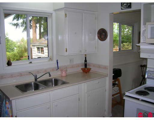 Photo 5: Photos: 19867 46A Avenue in Langley: Langley City House for sale : MLS®# F2905915