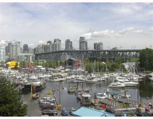 """Main Photo: 301 1490 PENNYFARTHING Drive in Vancouver: False Creek Condo for sale in """"HARBOUR COVE"""" (Vancouver West)  : MLS®# V753639"""