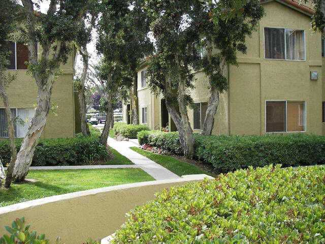 Main Photo: UNIVERSITY CITY Condo for sale : 1 bedrooms : 7585 Charmant #808 in San Diego