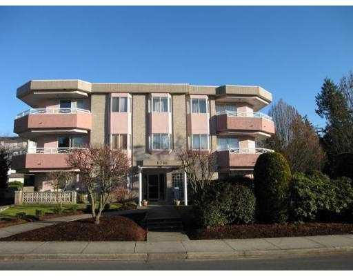 Main Photo: 104 6788 MCKAY Avenue in Burnaby: Metrotown Condo for sale (Burnaby South)  : MLS®# V724171