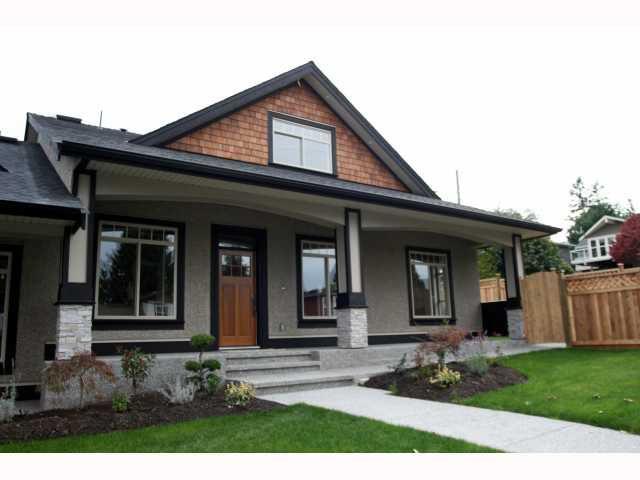"Main Photo: 390 55TH Street in Tsawwassen: Pebble Hill House 1/2 Duplex for sale in ""PEBBLE HILL"" : MLS®# V817831"