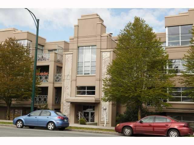 """Main Photo: 106 2983 W 4TH Avenue in Vancouver: Kitsilano Condo for sale in """"The Delano"""" (Vancouver West)  : MLS®# V820094"""