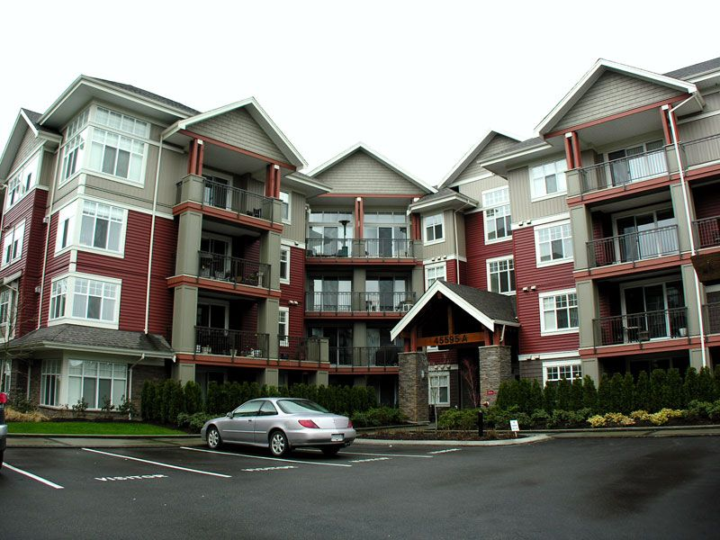 """Main Photo: 101A 45595 TAMIHI Way in Sardis: Vedder S Watson-Promontory Condo for sale in """"THE HARTFORD"""" : MLS®# H2901302"""
