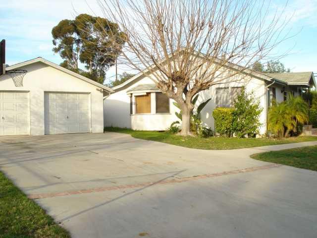 Main Photo: EAST ESCONDIDO House for sale : 2 bedrooms : 602 McDonald Lane in Escondido