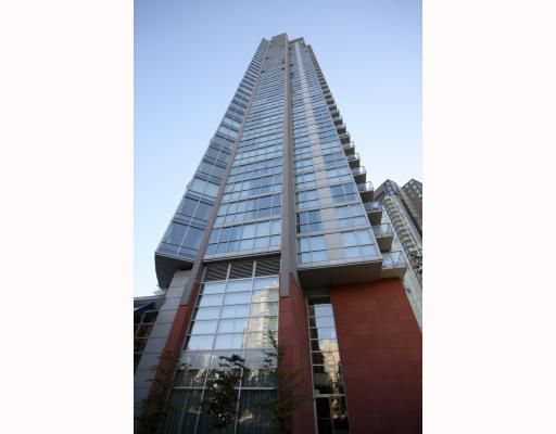 """Main Photo: 2203 1408 STRATHMORE MEWS BB in Vancouver: False Creek North Condo for sale in """"WEST ONE"""" (Vancouver West)  : MLS®# V765313"""